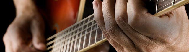 Kytary a baskytary