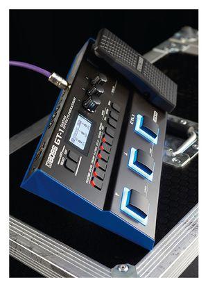 Guitarist Boss GT-1