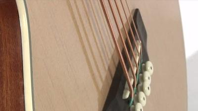 Harley Benton HBB35 NT Akustik Bass