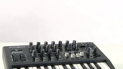 Arturia MicroBrute: monophoner Analog-Synthesizer